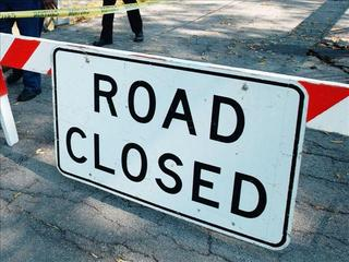 Road-Closed-28387577.jpg