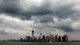 Hurricane-Sandy-dark-clouds-over-NYC-jpg_1351383783737.jpeg
