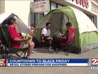 Retail_Stores_Prepare_for_Black_Friday_S_111260000_20121123025354