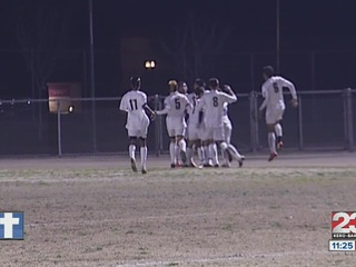 Golden_Valley_boys__Garces_girls_begin_s_372930000_20130305074450