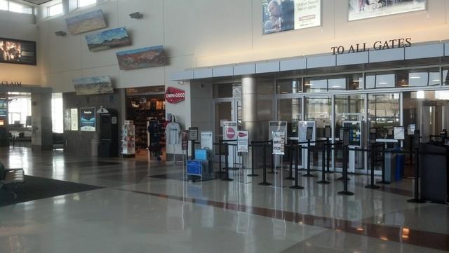 Oil slump cancels flights between Bksfd, Houston