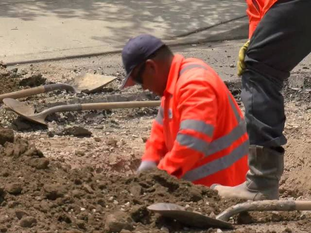 City workers fix sinkhole in Central Bakersfield
