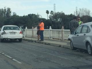 4 vehicle crash backs up Golden State to Hwy 99