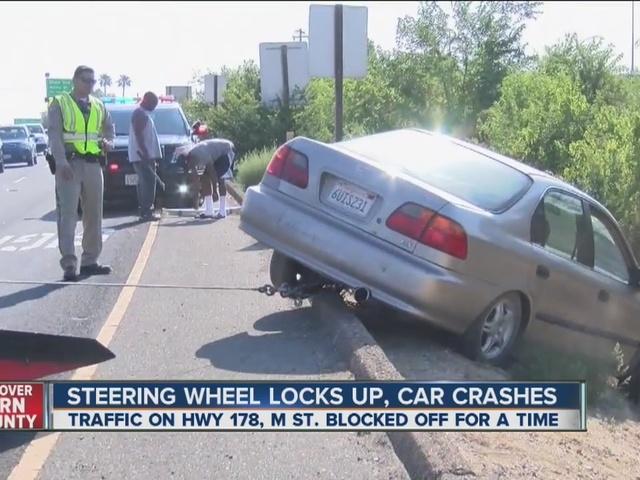 Car crash on M Street, 178 closes one lane of traffic