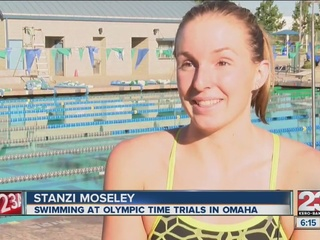 Stanzi Moseley swimming in Olympic time trials