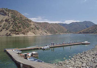 Public to avoid algal bloom in Pyramid Lake
