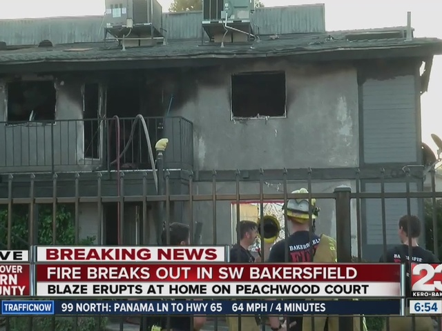 Fire breaks out in Southwest Bakersfield apartment complex