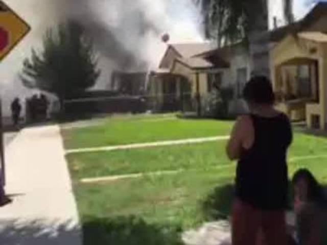 House catches fire on P Street in Central Bakersfield