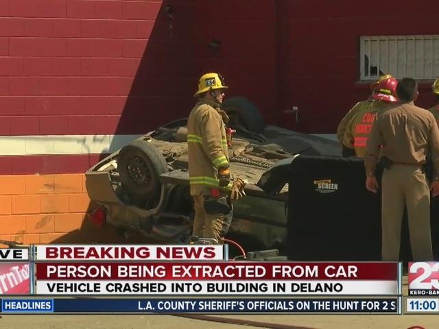 1 dead in fatal rollover in Delano