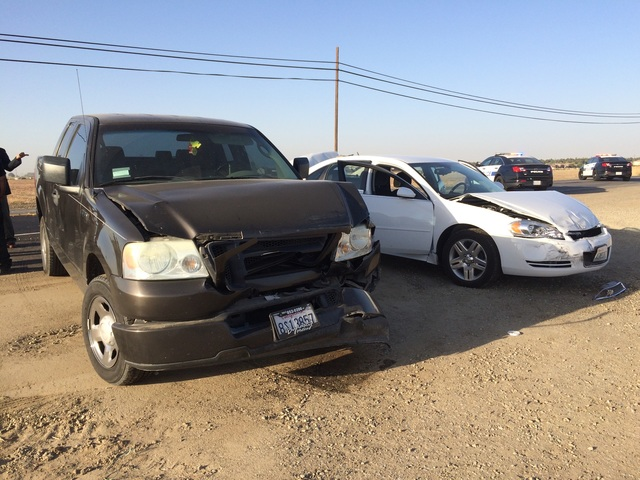 5 Vehicles Involved In Crash In Southwest Bakersfield At