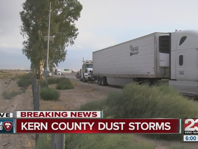 Dust storm blows through Valley, causes crashes