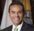 Former LA mayor Villaraigosa running for Gov.