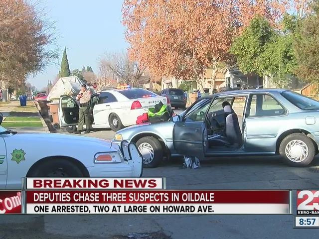 KCSO searching for two suspects after car chase