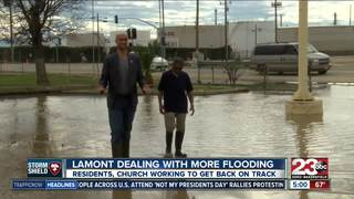 Mud and floods causes residents to be stranded