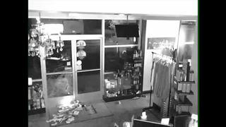 Break-in of NW Bako salon caught on camera