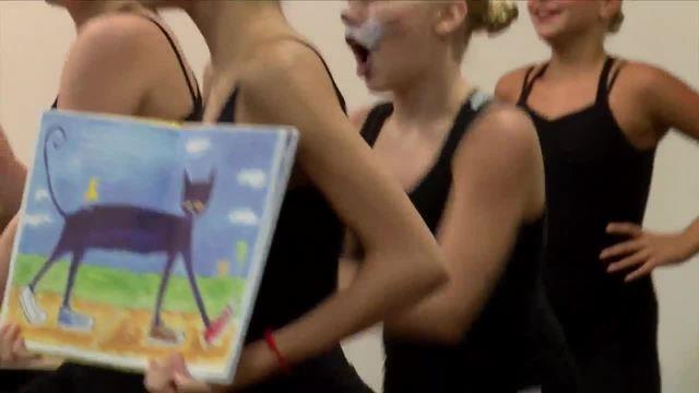 23ABC donates dozens of children-s books in Summer program