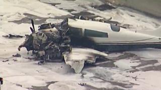 Small plane crashes on 405 Freeway