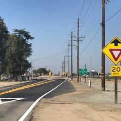 New single-lane roundabout in Delano