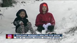 Tehachapi residents prepare for snow, visitors