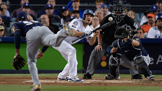 Dodgers take Game 4 over Brewers, even NLCS 2-2