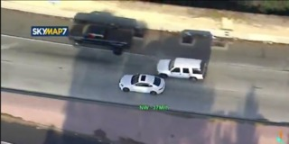 Police chasing suspect through Burbank